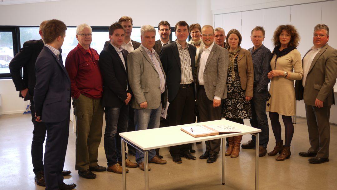 SIGNERING: Onsdag 29. februar 2012 ble den første samarbeidsavtalen signer.