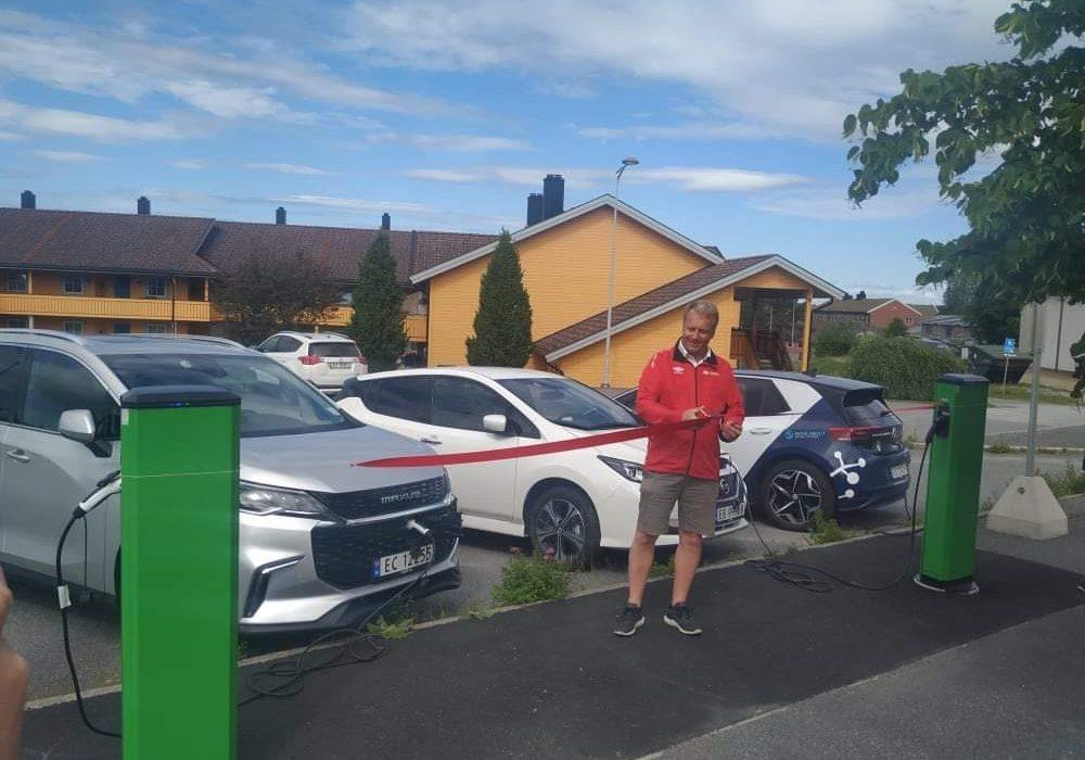 Nå skal kommunen og innbyggere dele på biler – Indre Østfold kommune innfører bildelingsordning